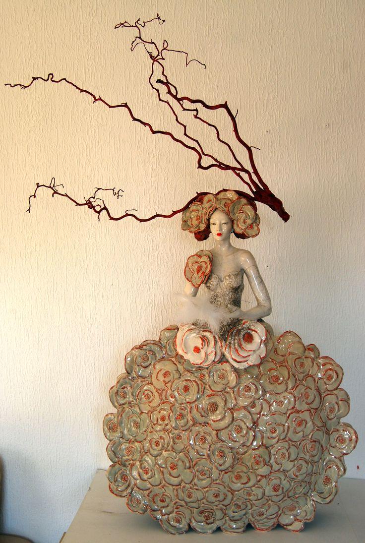 Pauline Wateau, Sculpture Céramique Raku Fille Fleur 2014