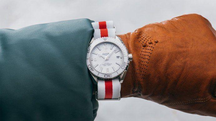 オメガがNATOストラップを一気に拡充オンラインで腕時計44種ベルト39種を組み合わせ可能