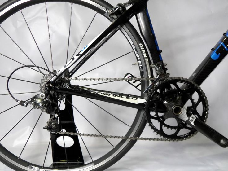 This is a truly serious race bike. In a break from tradition, Giant have teamed with Sram to equip this bike with the Sram Force Groupset, a clear contender with Shimano Ultegra for the mantle of gearing and braking performance. Yes, we can ship these bikes