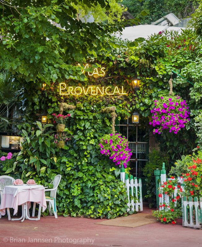 Mas provencal restaurant eze provence france brian for Le mas provencal eze