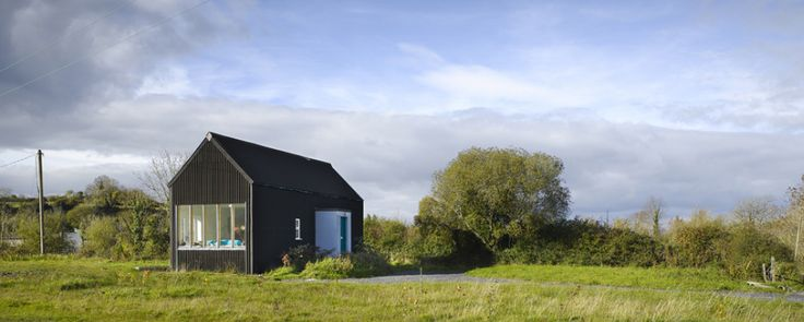 Irish architect Dominic Stevens self built home... the website even includes building instructions, we love it!