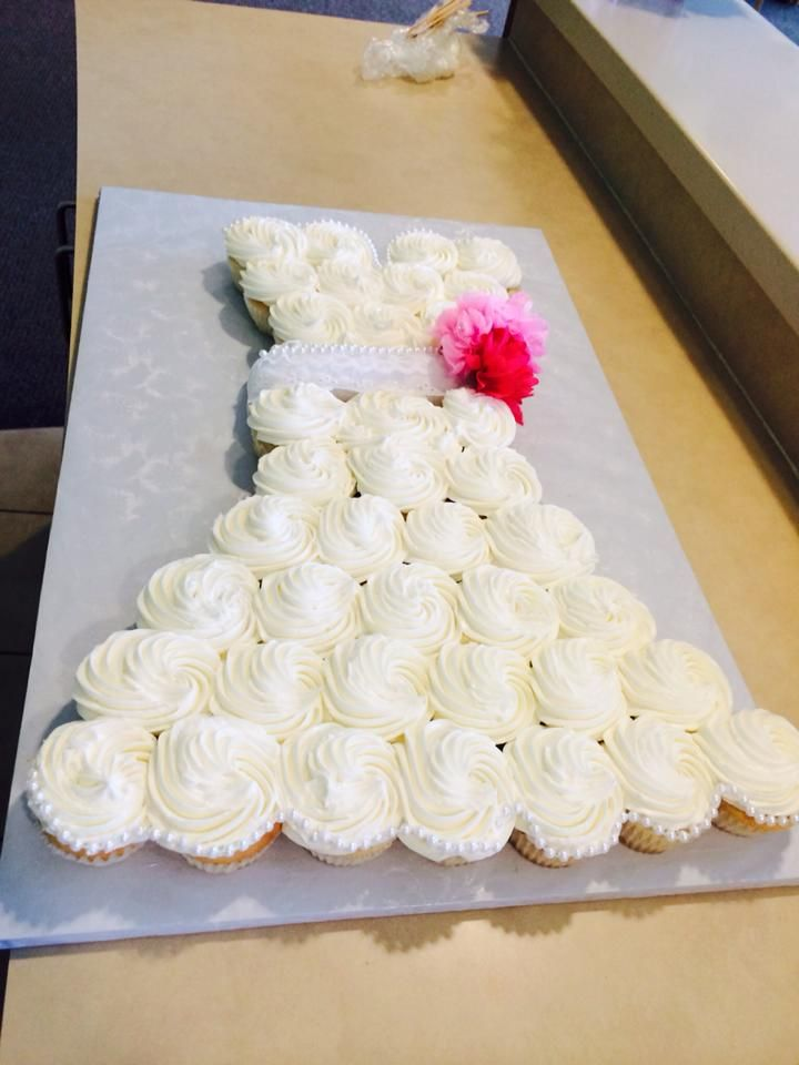 Bridal shower cake - pretty and easy