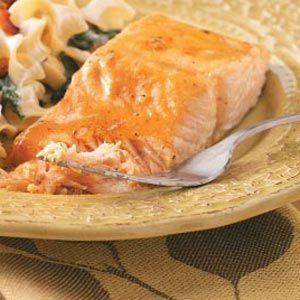 very good, made 1/2010 Quick Glazed Salmon Recipe -Here's a flavorful and well-seasoned entree that takes no time at all but is sure to net you plenty of compliments! Angela Lively - Baxter, TN