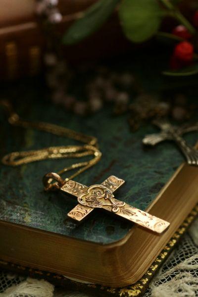 アンティークゴールドクロスペンダント 十字架 イギリス