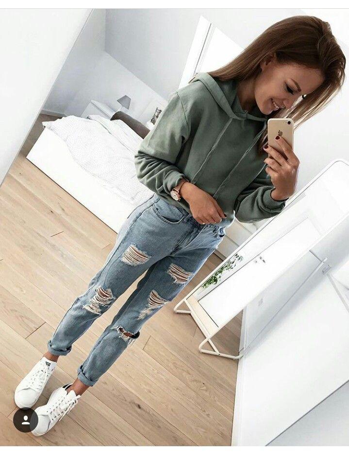 c2fccefca OUTFITS TUMBLR. usa tus jeans tiro alto favoritos y unos cómodos Adidas  stan smith👟