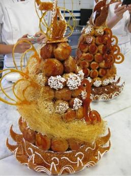 Pièce montée! For the most perfect wedding ♥