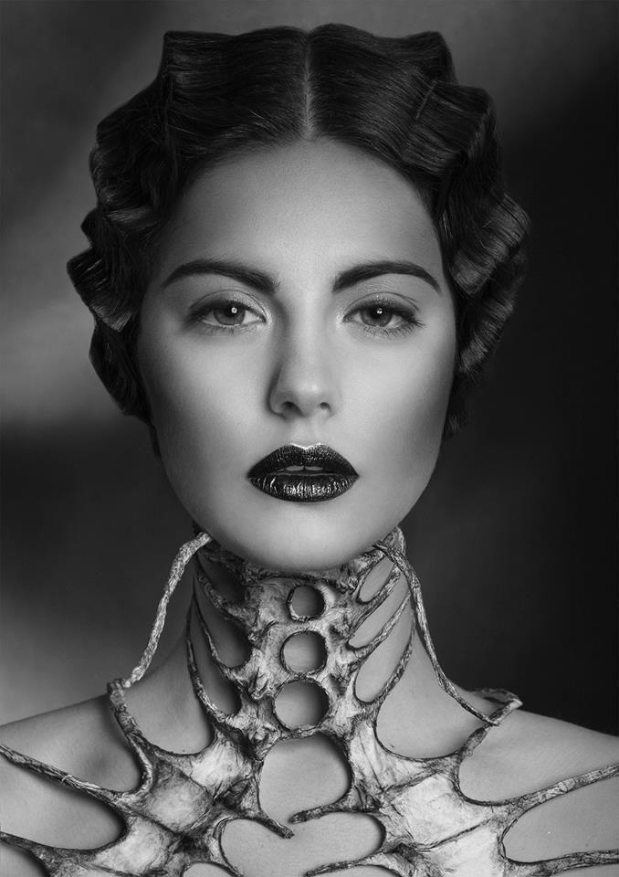 Nika Danielska Design  Fot: @Kat Ellis Strucka Photography  Style: @Pszczormani  Hair: @Tonya Seemann Seemann Potts by Luke  Make up : Aleksandra Byra  Mod: Aleksandra Szczęsna