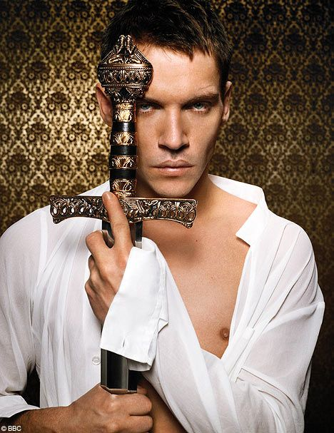 Jonathan Rhys Meyers: The Tudors   Something about him that is so truly hot!!! uffff