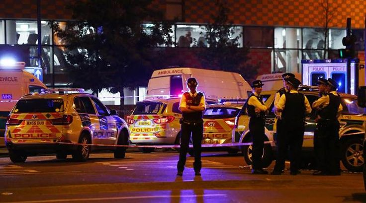 London Mosque Attack: One Person Dies as Van Hits Muslim Worshippers