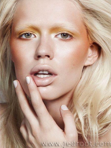 Nuestra seca @GloriaBaileC nos trae todos los estilos de maquillaje que serán tendencia este verano 2015 #Bellezahttp://www.siempre-lindas.cl/estilo-de-maquillaje-para-esta-primavera-verano/