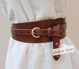 wraparound wide waist belt. Very cute.