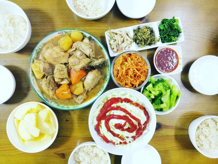 목요일 저녁 . #lgv20 #v20 #korea #韩国 #韓国 #diner #저녁메뉴  #저녁 #식사 #meal #food #koreafood #home  #닭볶음탕 #닭도리탕 #にわとり #鶏 #夕飯 #ゆうはん #夕食 #ゆうめし #ゆうしょく #鶏肉の炒め煮 #ダッポクムタン #晚餐 #辣炖鸡块 #chicken  #braisedspicychicken #cooking
