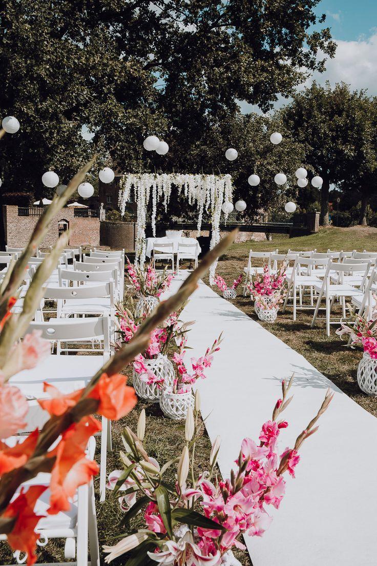 Freie Trauung Auf Schloss Diersfordt Hochzeitsfotograf Wesel Hochzeit Trauung Hochzeit Location