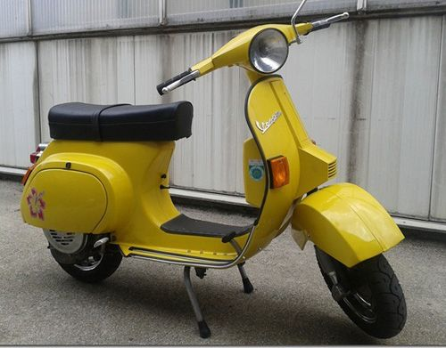 Vespa Farben RAL 1012 Zitronengelb Bild 1