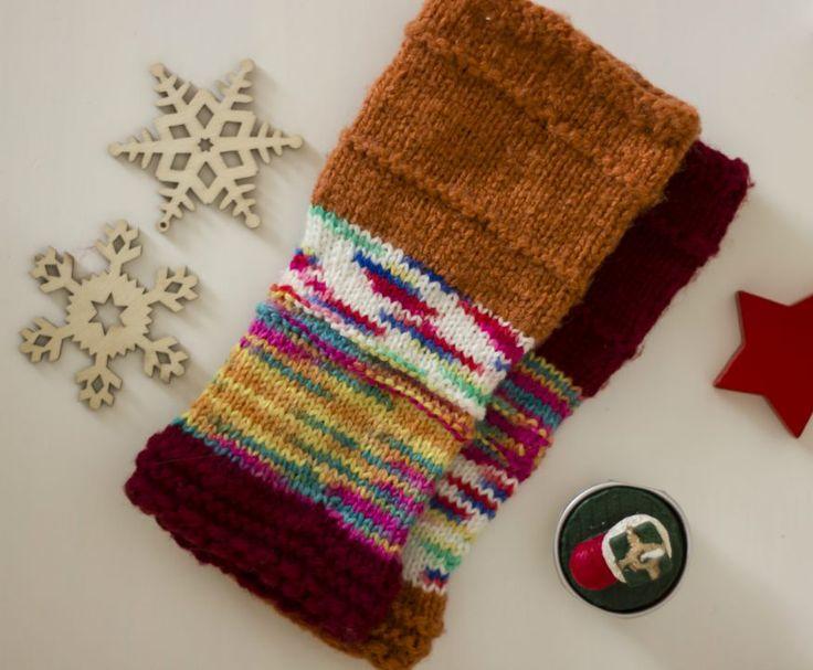 Manusi tricotate, fara degete, culori asimetrice