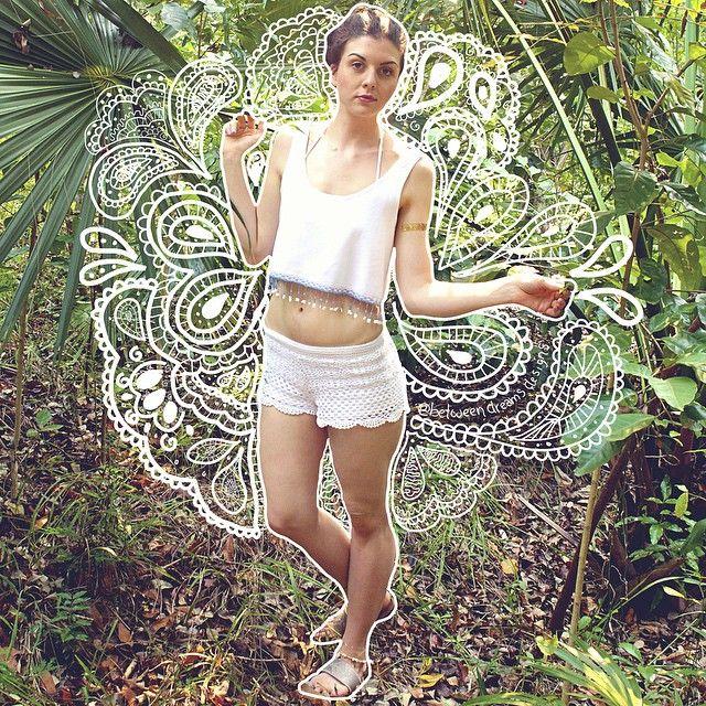 all good things are wild and free  // beaded fringe crop top by @betweendreamsdesigns and metallic tattoo by @balsam_and_vine // @emilyanneka // #betweendreams #bohomarks #betweendreamsxcaribbean #mahoganybay #honduras #betweendreamsxsvmf #svmf #svmfstyle {instagram: @betweendreamsdesigns}
