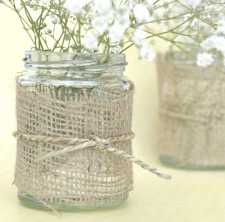 Definitely will be trying this myself, jam jars, hessian fabric, garden twine & some Spring flowers.