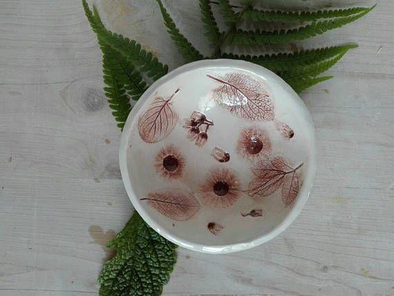 Guarda questo articolo nel mio negozio Etsy https://www.etsy.com/it/listing/534036369/bowl-copper-white-clay-home-decorfor-the