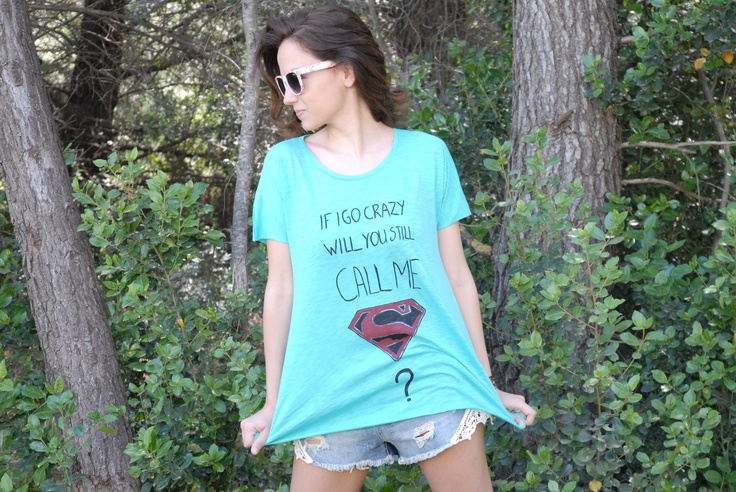 Hand Painted Superman T-shirt at www.missflamingo.gr