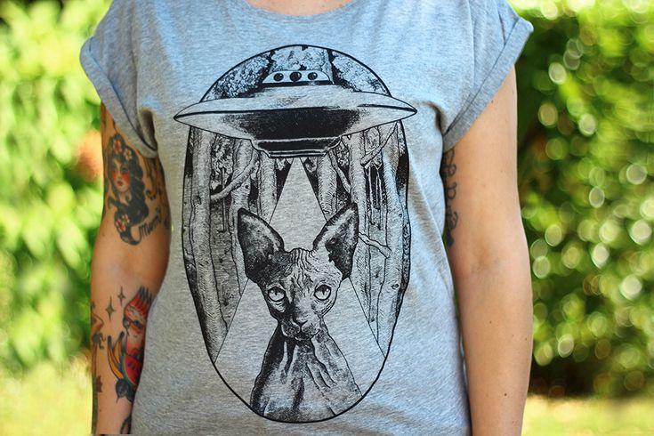 sphynx cat t-shirt, sphynx shirt, ufo t-shirt, alien cat womans shirt, steampunk clothing, woman's t-shirt, vegan clothing, cat lover gift by hardtimesdesign on Etsy https://www.etsy.com/listing/469421288/sphynx-cat-t-shirt-sphynx-shirt-ufo-t