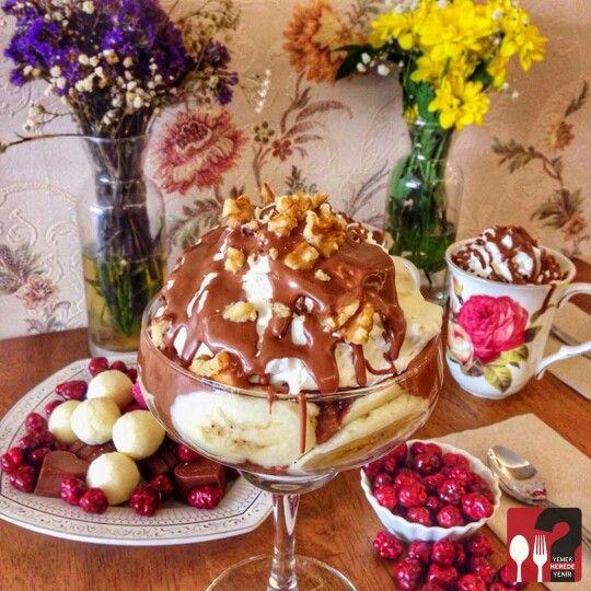 Soprano ( İtalyan keki, muz, çikolata kaplı antep fıstıkları, ceviz, karamel üzerine belçika çikolatası) - Hümaliva Çikolata & Kahve /  İstanbul ( Nişantaşı ) ☕  Çalışma Saatleri 11:00-23:00 ☎  0 212 224 48 62   14 TL ▫  Alkolsüz Mekan   Paket Servis Yok  Sodexo, Multinet, Ticket Yok