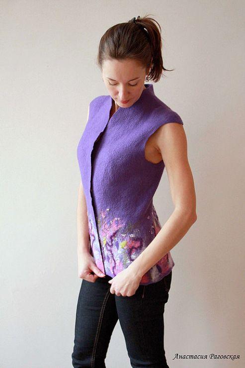 chaqueta sin mangas -- I like the idea of solid on top, design at hem