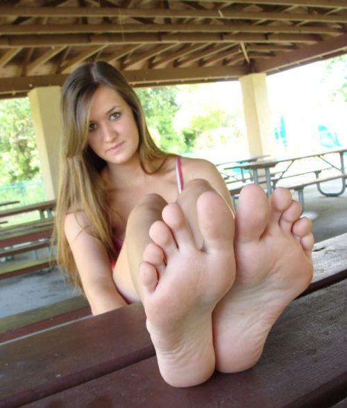 Feetblogz Is A Blog About Cute Girls Feet  Photo  Things -6255