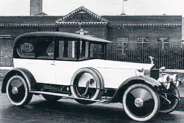 (1915) Limousine by the Grahame-White Company