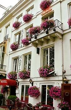 Eureka Hotel / Amsterdam House   Gravelandseveer, 3-4, Amsterdam, 1011 KM Netherlands 866-539-0036
