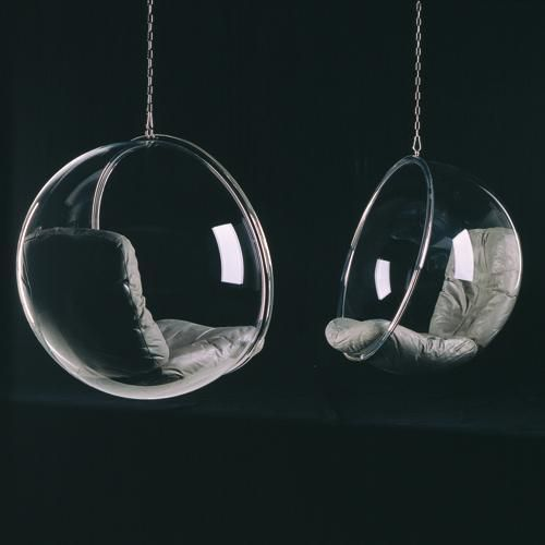 Bubble Chair / Eero Arnio, quien tuviera una buena viga para colgar semejante maravilla