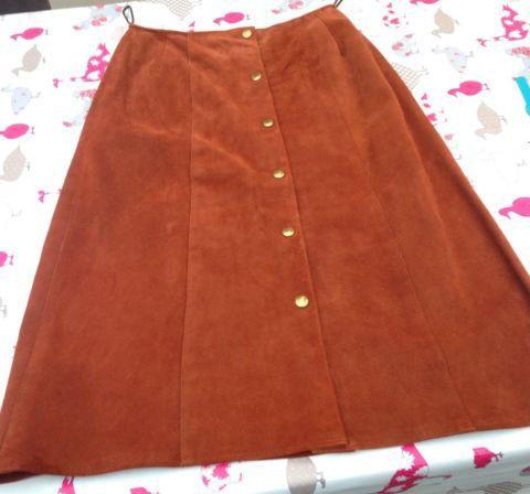 Vintage Brown Suede Skirt Size 14 by SunDazeVintage on Etsy, €17.99