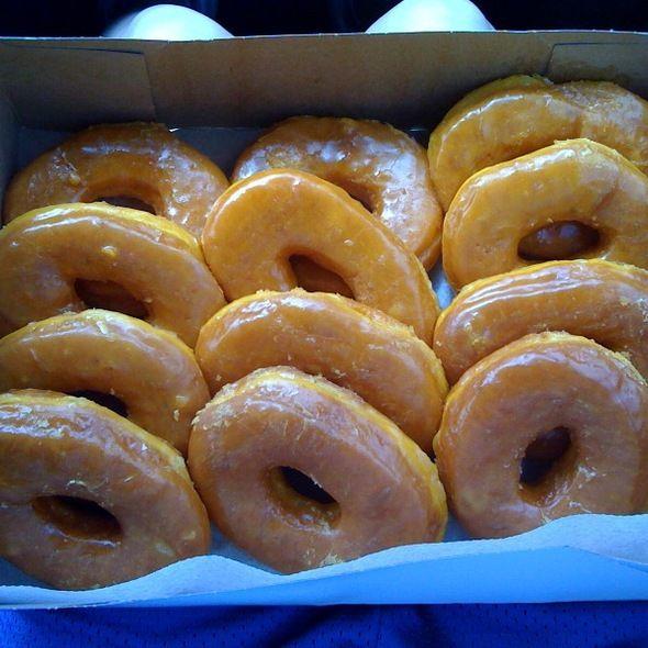 Dozen Original Glazed Donuts @ Round Rock Donut Famous Lone Star Bakery