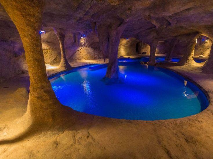 Indoor pool grotte  189 best Swimming pools...secrètes images on Pinterest | Indoor ...