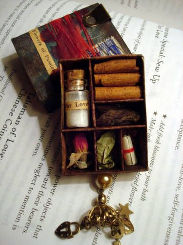 Love Magic Valentine Matchbox Shrine - PAPER CRAFTS, SCRAPBOOKING & ATCs (ARTIST TRADING CARDS)