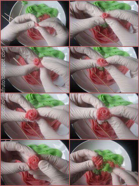 Rosas de regaliz - Tira roja para la flor, tira verde para las hojas y una gominola de menta debajo de todo