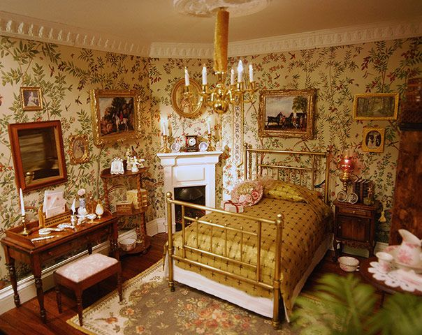 """This is a doll house!  """"Lady Alesón's bedroom is a tour-de-force recreation of an Edwardian interior, all rendered in perfect miniature"""""""