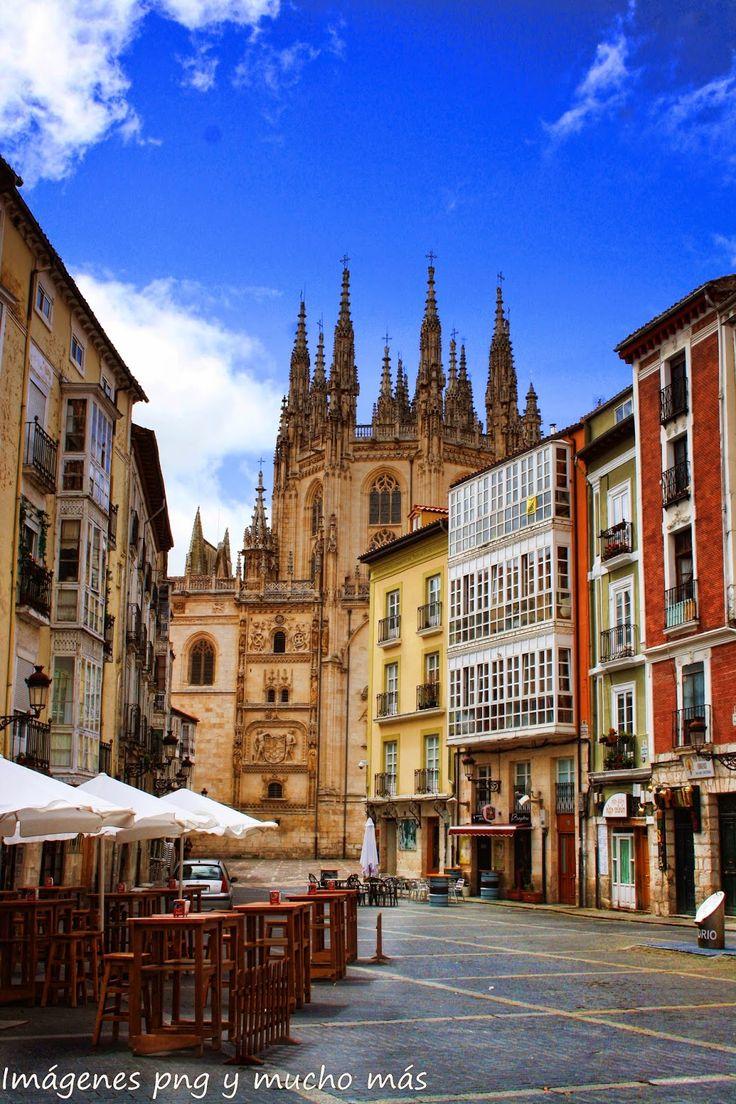 Burgos como dama castellana se engalana con una de sus más preciadas joyas como es su Catedral,  Spain