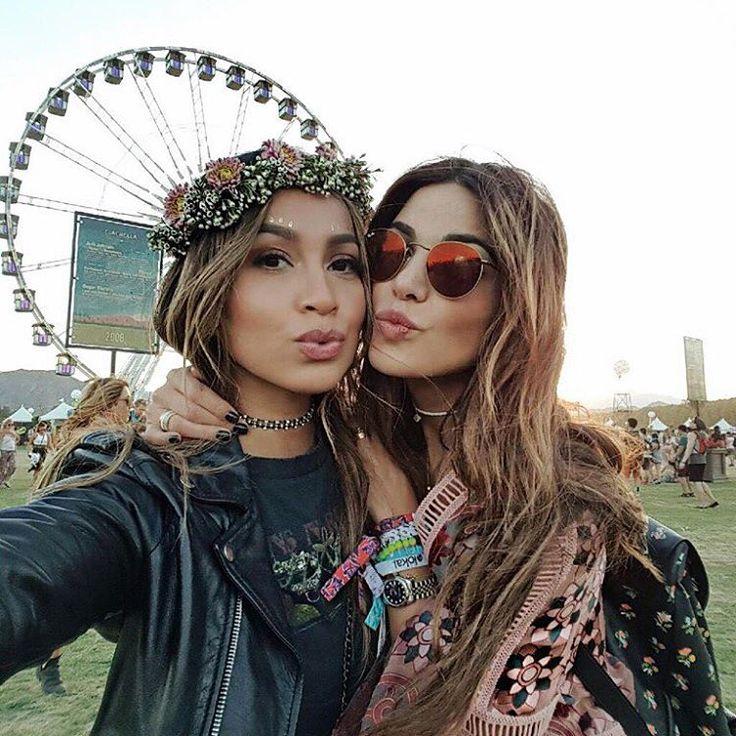 JULIE SARIÑANA sur Instagram : Love her. ❤️ @negin_mirsalehi #REVOLVEfestival