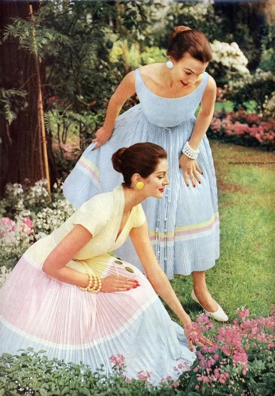 Chronically Vintage: 25 fabulous 1950s spring fashions to inspire your wardrobe this season blue pink yellow full skirt dress