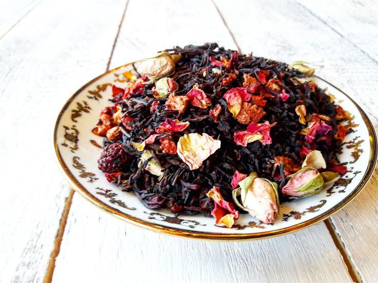 """Великолепная """"Екатерина Великая""""😍 - черный чай с кусочками клубники, ежевики, лепесками и бутонами роз 🌹 Очень нежный и манящий❤"""