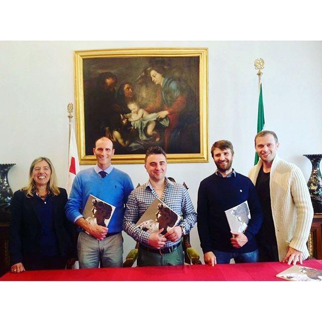 #StaglienoPhotoContest, eccoci arrivati alla premiazione!Nella Sala delle Cerimonie del Comune di Genova sono stati premiati i primi tre classificati del concorso fotografico svoltosi tra febbraio e aprile nel Cimitero Monumentale di Staglieno.Le tre b
