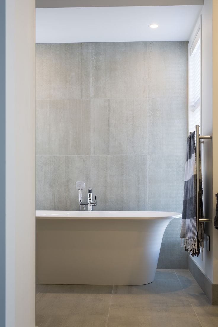 + St Kilda Wetlands Duplex - Bathroom +