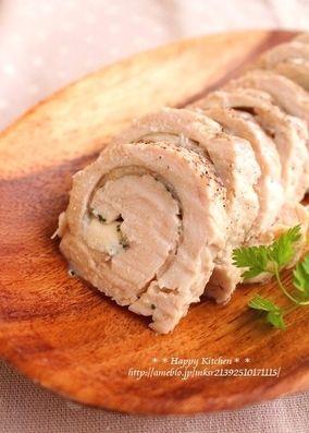 レンジで5分!鶏むね肉のクリームチーズバジルの塩ロール|レシピブログ