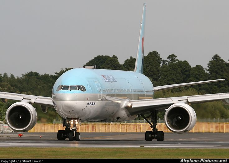 Korean Air Boeing 777-3B5