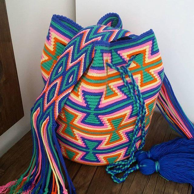Bir pozda cantayla verelim☺ #wayuumochila #wayuubags #wayuustyle #trend #moda #kadinmodasi #kisiyeozel #tasarım #tasarimcanta #elemeği #pinterest #handmade #rengarenk #eskişehir