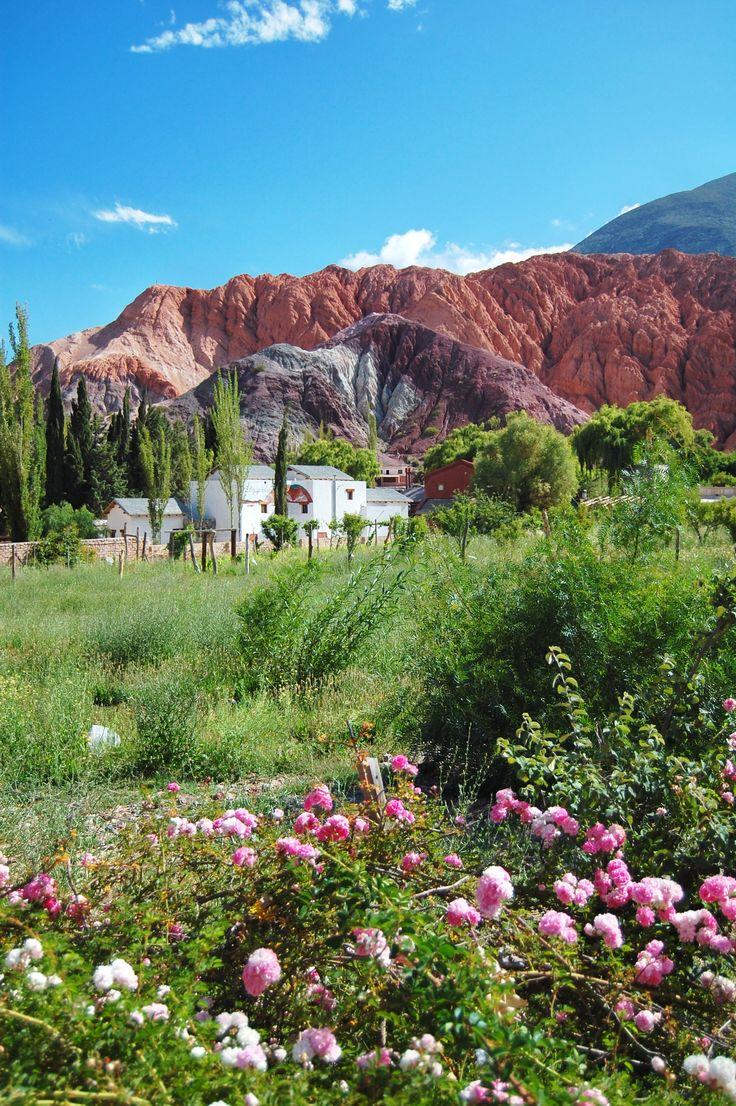 Purmamarca, Argentina Yo quiero ir a Punamarca porque hay los cañones grande, pudo sederismo y tomar bonitas fotos. Hace muy calor pero los colores de los cañones y flores son muy fascinante y diferente. -Barbara Chrobak