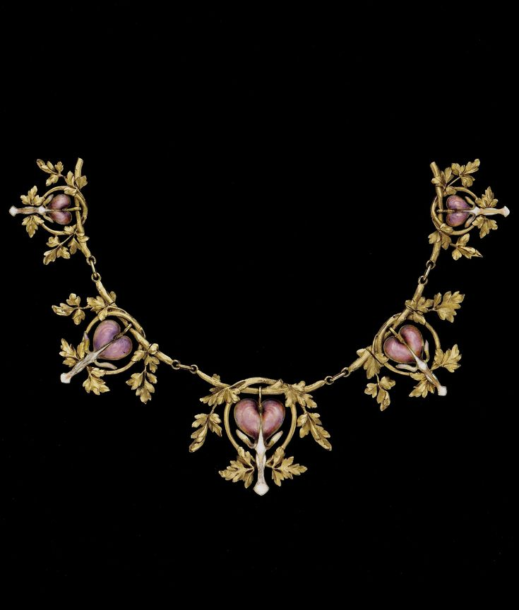 Lucien Gaillard | Gold and enamel necklace with 'Bleeding Hearts',  circa 1907.