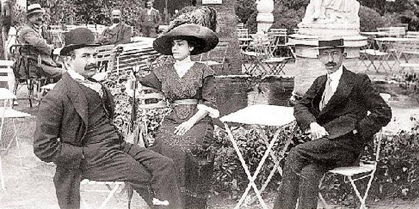 diaforetiko.gr : Τα καφενεία της Αθήνας του 1900! …Ένα νοσταλγικό ταξίδι στο χρόνο !!!Κέντρο Villa Caprice,στην Έπαυλη Θων,28 Ιουνίου 1912