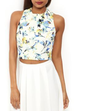 The beauty of this White Floral Print Crop Top is it can be worn casually with jeans or dressed up with a sheer midi skirt. #newlook #fashion