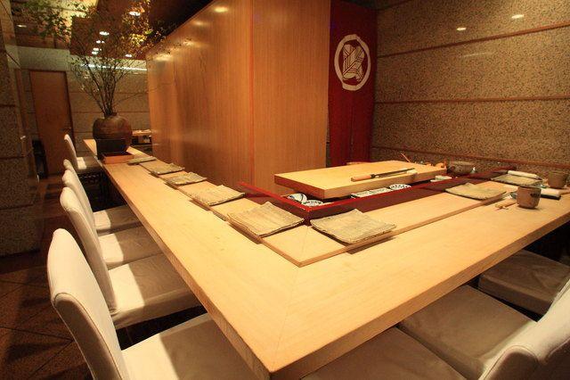 The photo of Exterior: Sushi-kanesaka[Tabelog]